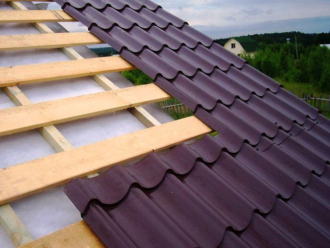 Монтаж металлочерепицы на готовую крышу